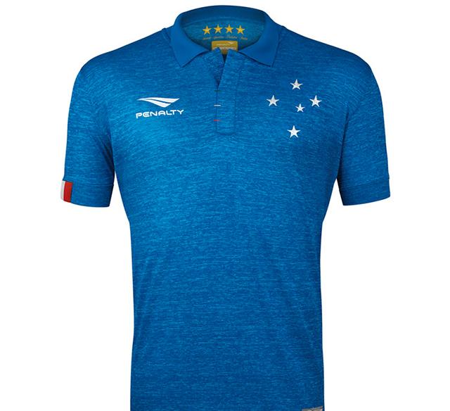 A bandeira italiana está presente na manga dos uniformes ca6eabc1fe516