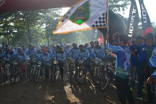 Ribuan Pesepeda dari Berbagai Daerah Serbu Pantai Prigi