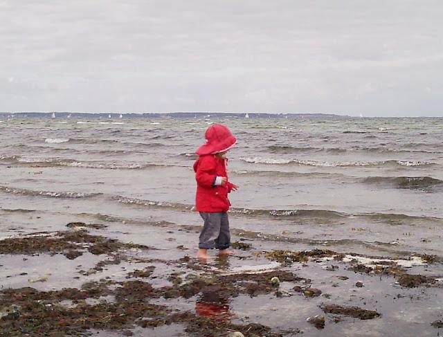 Perspektiven eines Küstenjungen (+ Verlosung): Die Schwester wird genau beobachtet.
