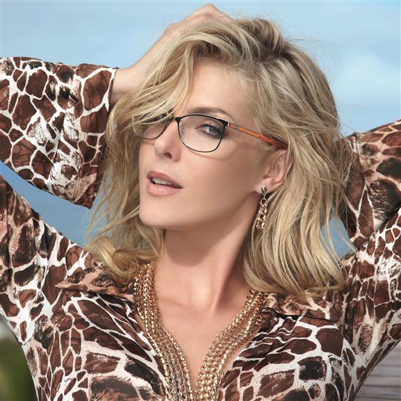 Portanto fique na moda usando os óculos Ana Hickmann 2013 que estão fazendo  parte do look de muitas mulheres de bom gosto que não abrem mão de investir  em ... 9f8306c299
