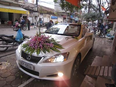 Cho thuê xe cưới mui trần Lexus is250