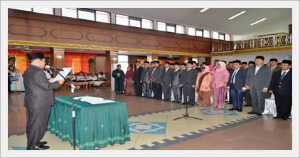 105 Pejabat Eselon III dan IV dilantik Bupati Sijunjung