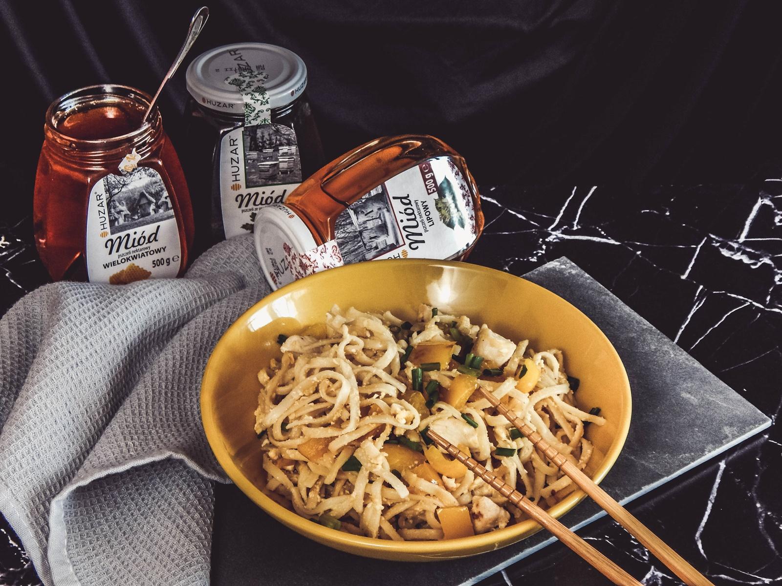 1 przepis na szybki obiad z miodem pad thai łatwy przepis szybka kuchnia azjatycka przepisy na lekki obiad z makaronem