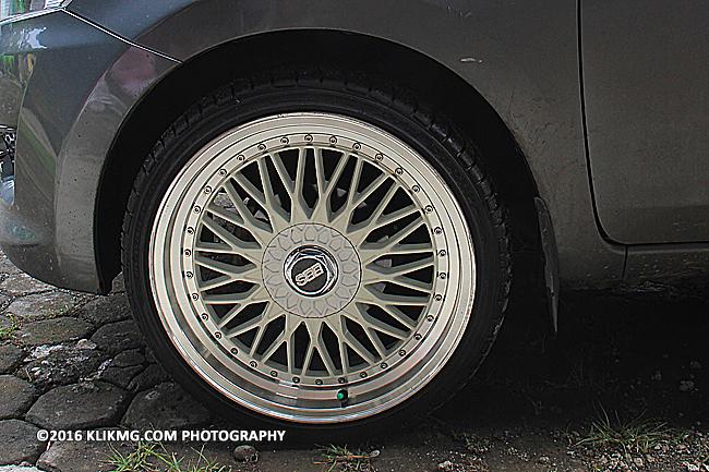 Datsgrey2014 - Datsun Grey 2014 dengan Velg Japan Ring 18 In 215-35 tampak semakin gagah - Foto oleh klikmg.com fotografi. Fotografer Purwokerto