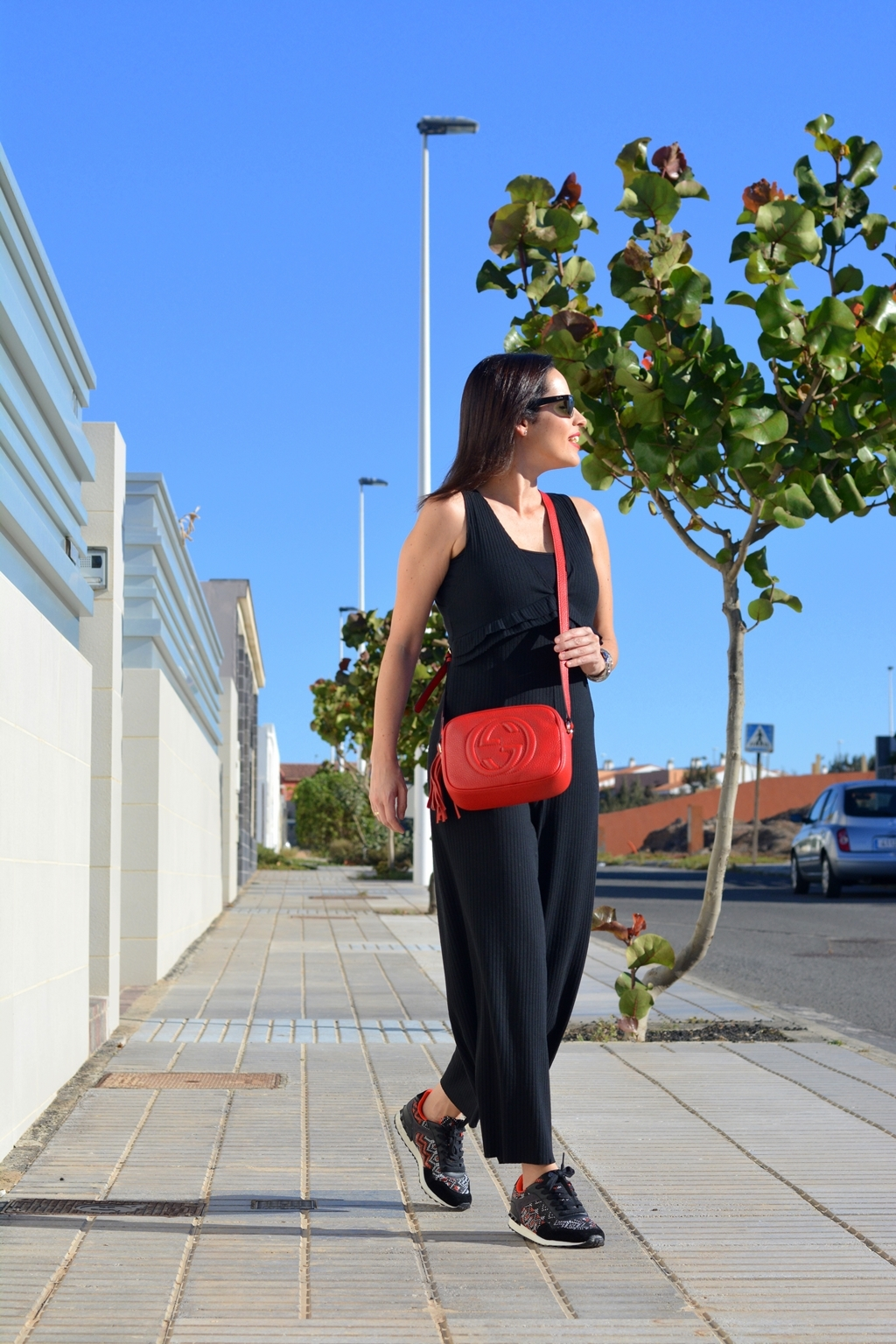 zara-black-jumpsuit-mono-negro-look