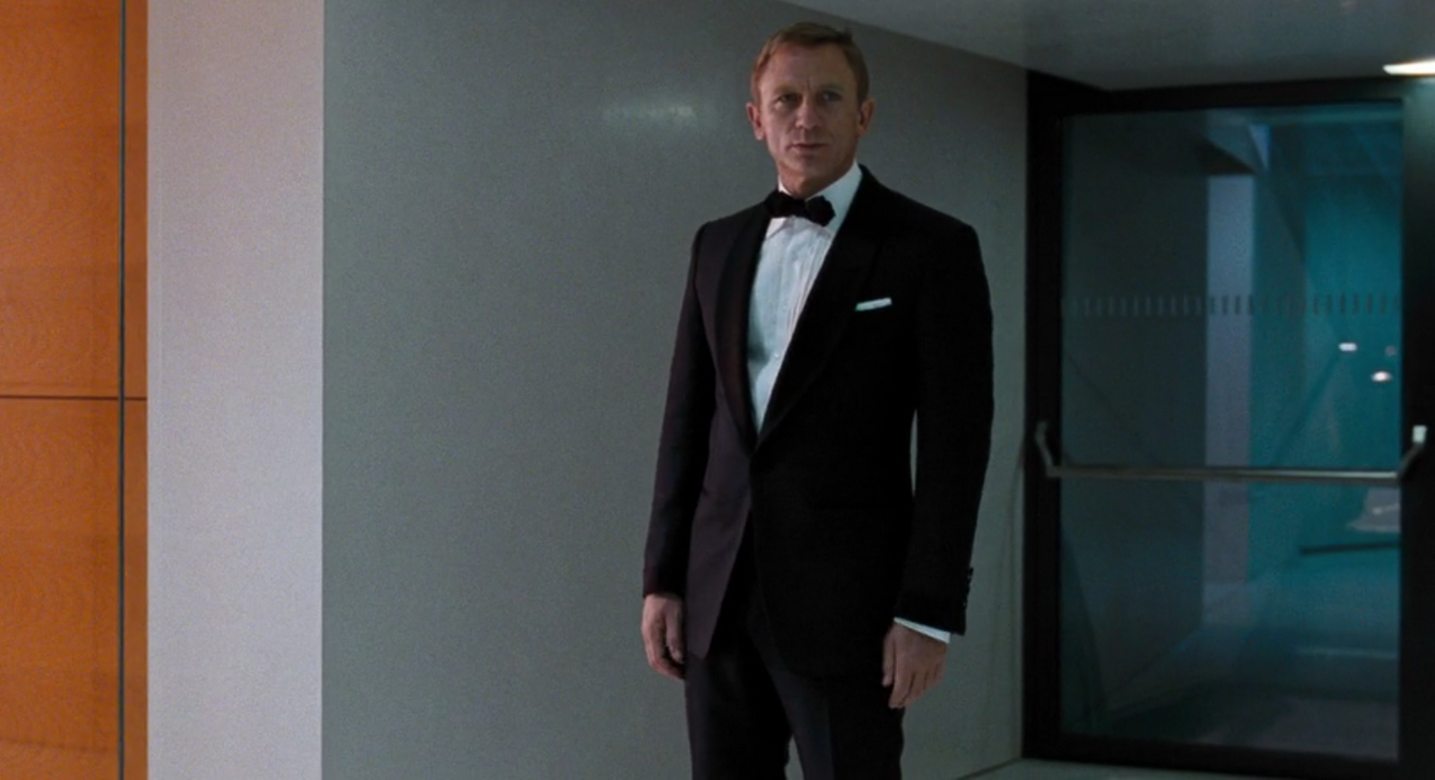 A Familiar Dinner Suit in Quantum of Solace – The Suits of James Bond fd89943c1d1