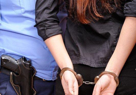 Σύλληψη 31χρονης στο Κρανίδι για κλοπή