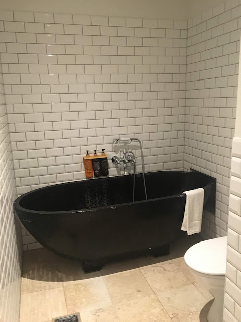 axel guldsmeden bath