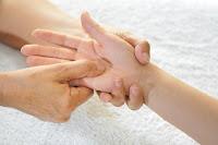 titik refleksi tangan untuk obat penyakit