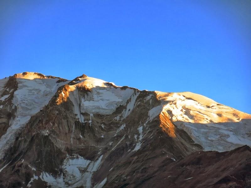 Die Sierra Bella wird von der Morgensonne beschienen