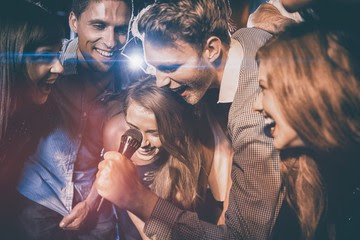 karaoke bareng teman