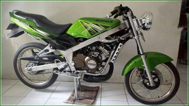 Dijual Kawasaki NInja SS hijau Medan Gaya Balapan - Contoh Gambar Modifikasi Ninja SS 150 Velg Jari Jari Dan Racing Gaya Drag Airbrush Keren Banget