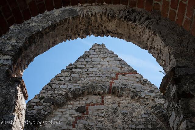 A felsődörgicsei templomrom a balatonfelvidéken