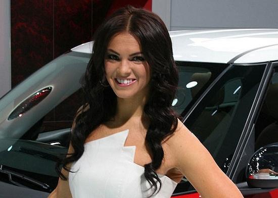 2013 Detroit Auto Show Girls Carsfresh