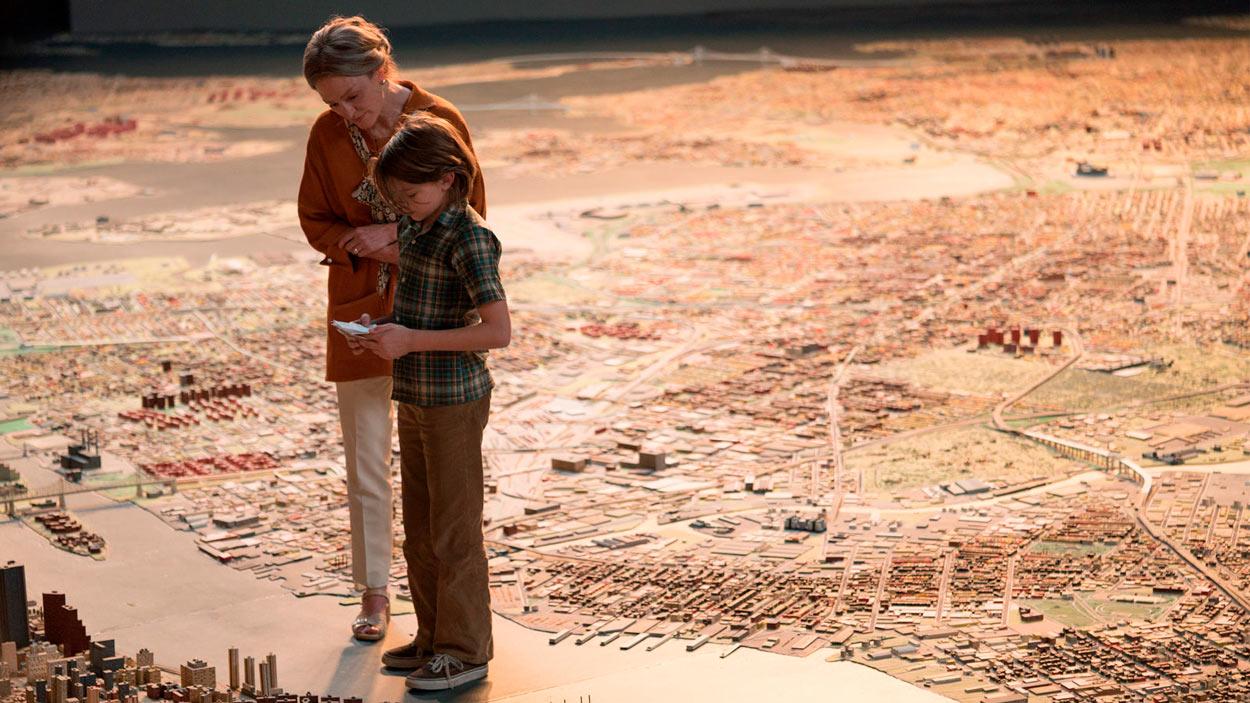WONDERSTRUCK. EL MUSEO DE LAS MARAVILLAS - WONDERSTRUCK. EL MUSEO DE LAS MARAVILLAS - escena Oakes Fegley y Julianne Moore