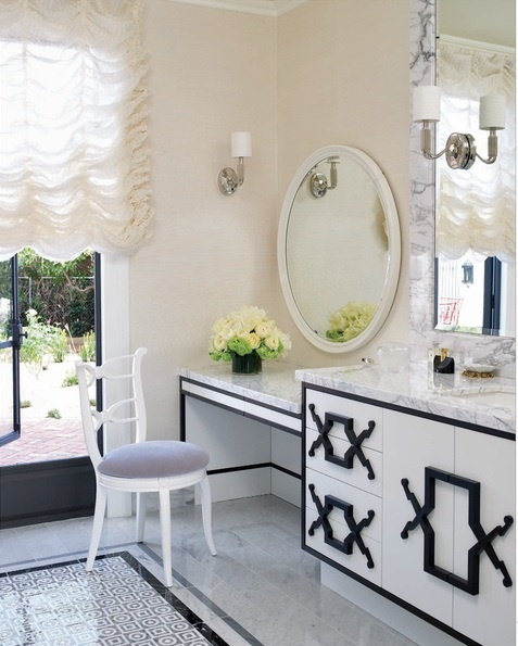 Black N White Bathroom: To Da Loos: February 2013