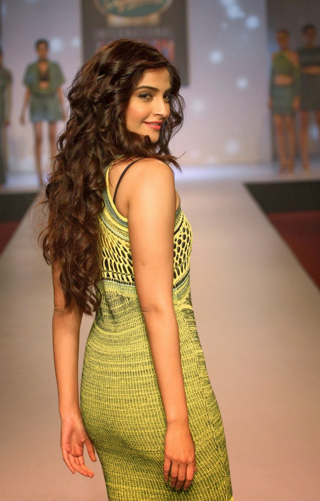 Bollywood Queen Sonam Kapoor Hot Photos In Green Gown