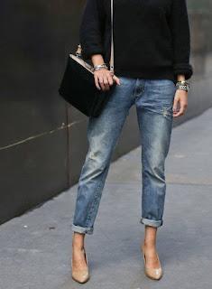 Jeans Levi's portati con il tacco