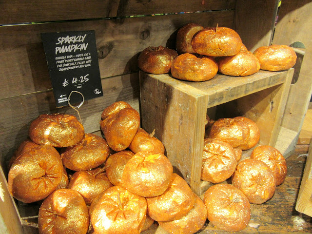lush seasonal, lush halloween products, lush liverpool, lush sparkly pumpkins