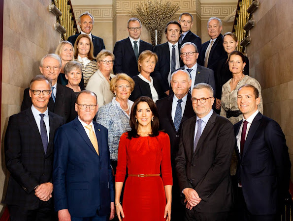 Crown Princess Mary held a meeting for Mary Foundation's presidium 2016 (Mary Fondens præsidiemøde 2016)Julie Fagerholt Heartmade dress