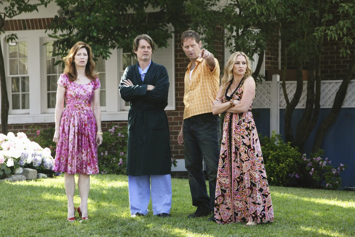 Desperate Housewives - Season 6 Episode 02: Being Alive