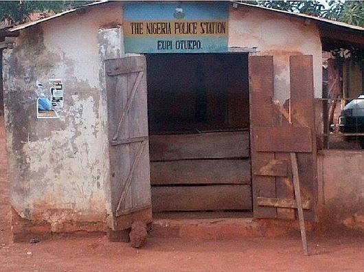 Photos: Peace Corps commandant Dickson Akor builds police station in Benue