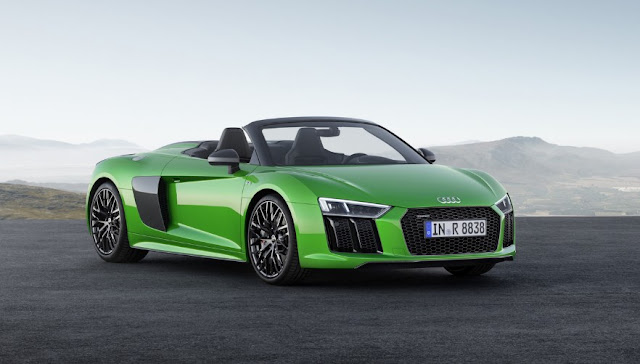 The new Audi R8 Spyder V10 Plus has 610 horses so you only see a green spot Micrommata