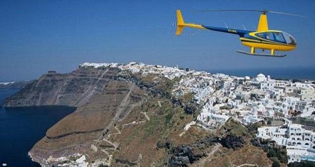 Σαντορίνη: Απαγόρευση ανεξέλεγκτων περιηγητικών πτήσεων ελικοπτέρων