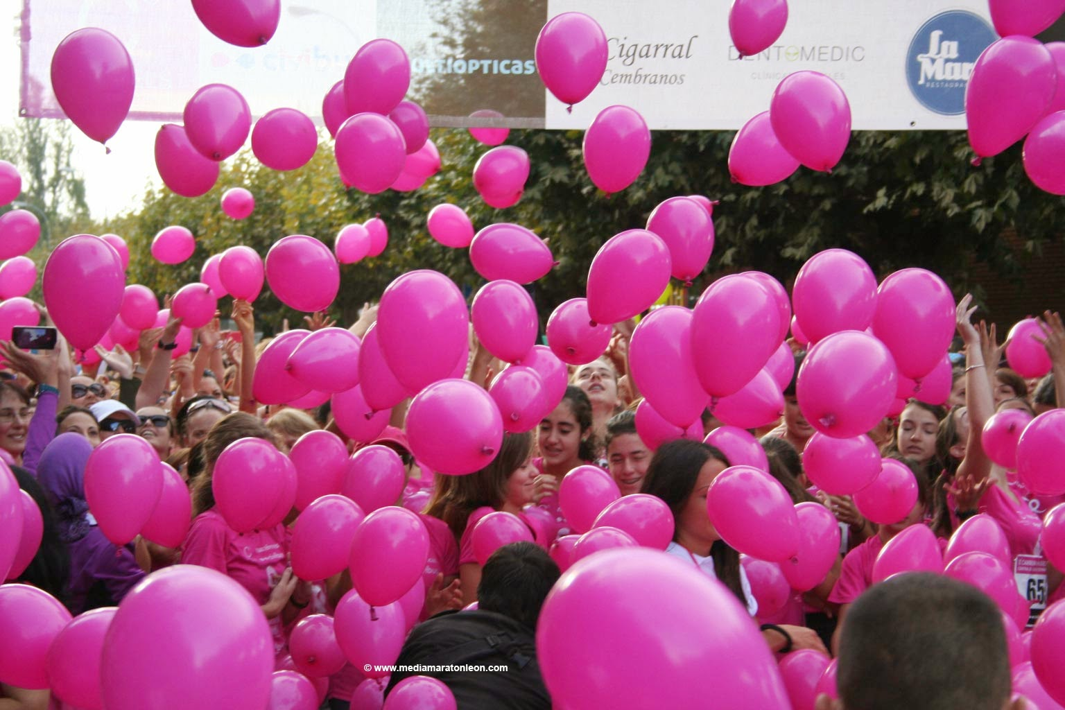 Fotografias Carrera Mujeres cancer de mama Leon