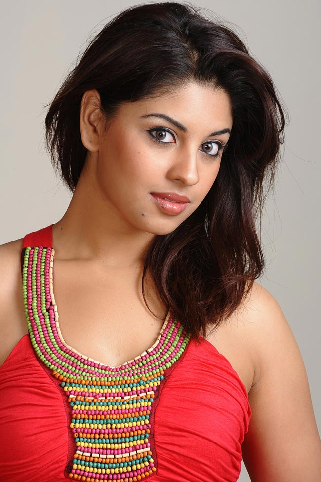 splendid and radiant Richa gangopadhyay spicy photos in red top