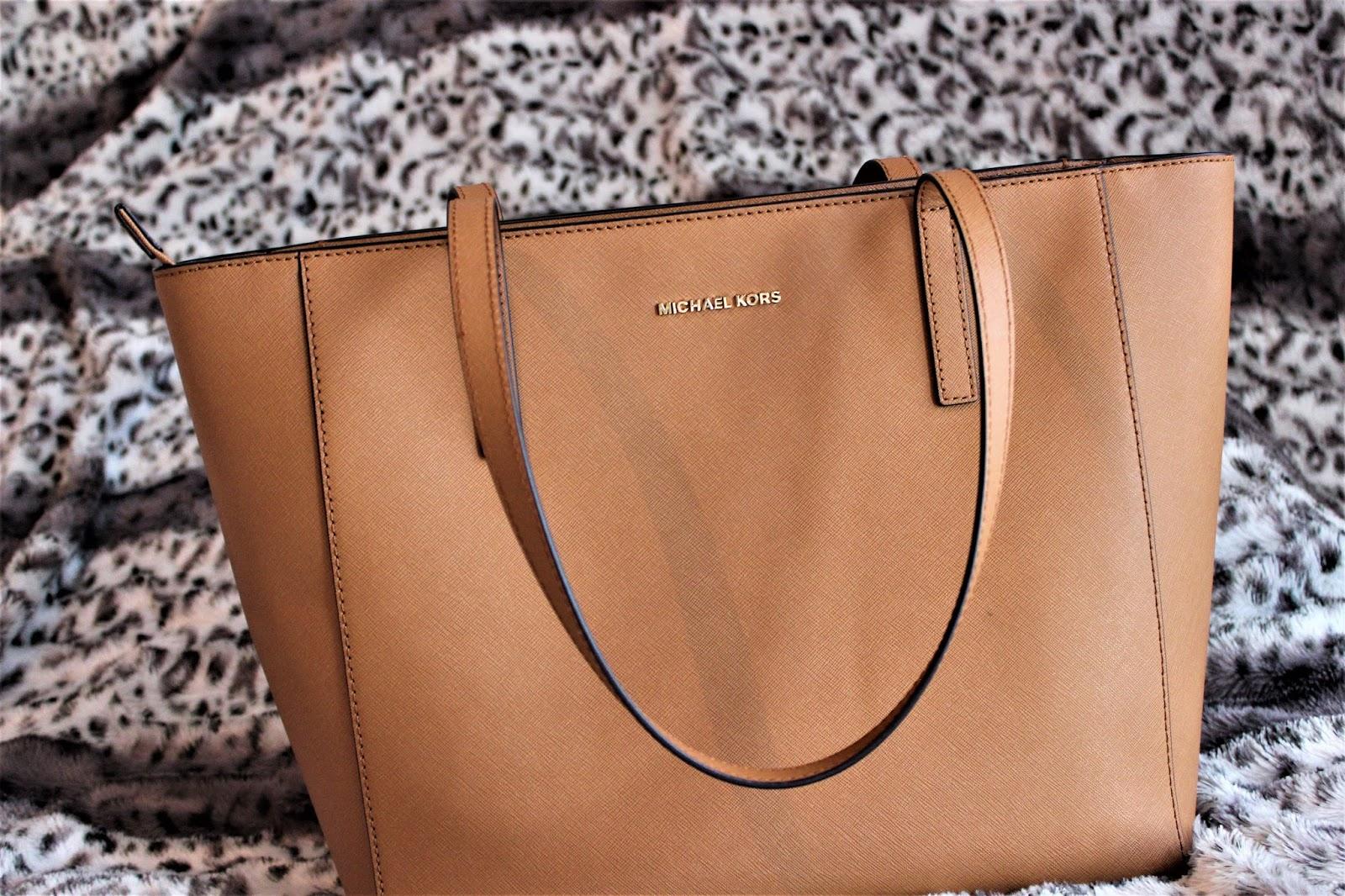 a50ff709a A mala é linda e a qualidade da pele é realmente incrível, sentimos mesmo  que é um material resistente e de bastante qualidade.