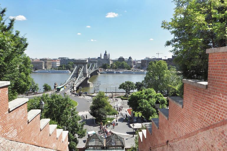 Vue sur Pest depuis le funiculaire de Budapest