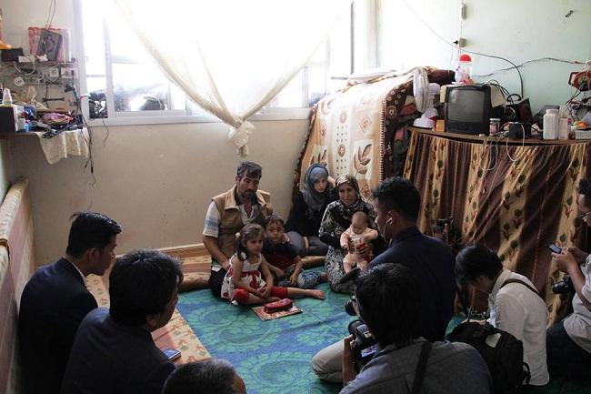 Jurnalis dan wartawan Indonesia LKBN Antara, Net TV, Merdeka.com dan CNN Indonesia mengunjungi langsung negara Suriah untuk melihat sendiri keadaan disana