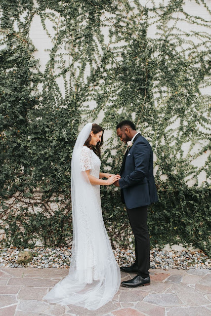 mallory sparkles photography blush pink wedding tones venue florals photgrapher weddings