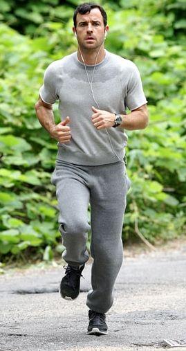 Foto de Justin Theroux con ropa deportiva