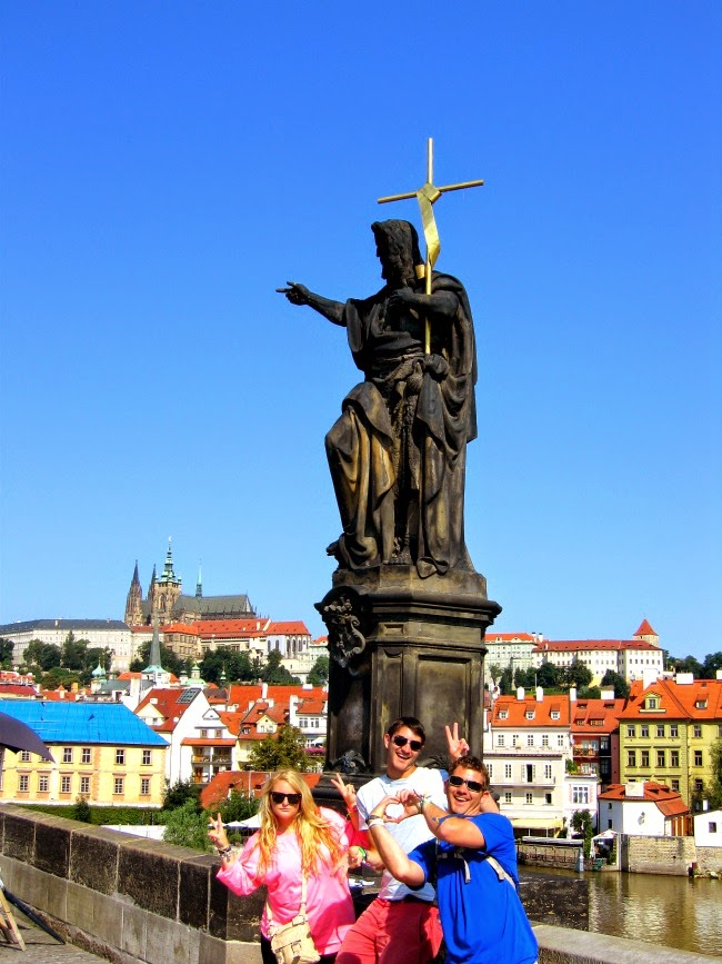 Prague Tourists charles bridge