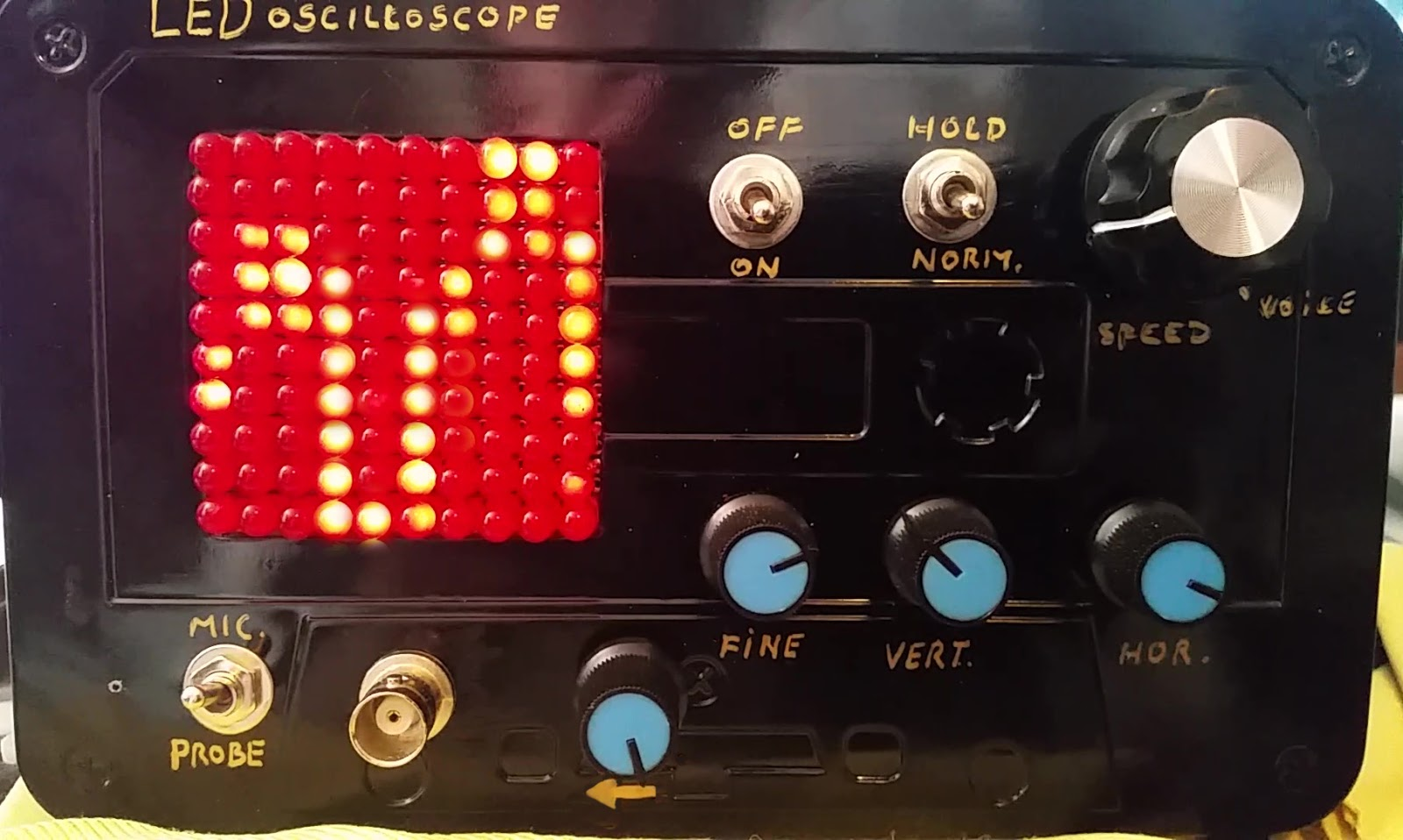 Eddy Bergmancom Led Oscilloscope With 100 Leds Pin Electret Microphone Amplifier Circuit Schematic On Pinterest I Can Really Recommend Using This Design Over The Amp In Main One Works Much Better Little Drawback Is That It