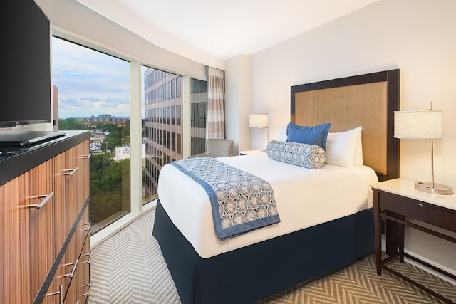 Stay with Character. Reserve Your Stay at Tribute Westshore Grand Tampa Today!