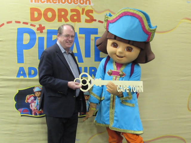 Dora #TheExplorer Received #CapeTown Key To The City #DoraLiveSA @NickAfrica