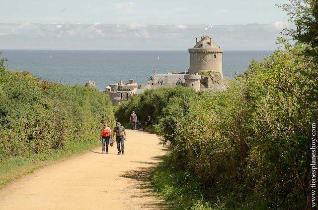 Fort la Latte viaje Bretaña castillo vistas que ver costa esmeralda