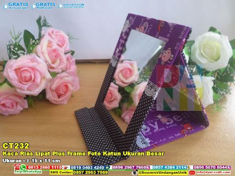 Kaca Rias Lipat Plus Frame Foto Katun Ukuran Besar