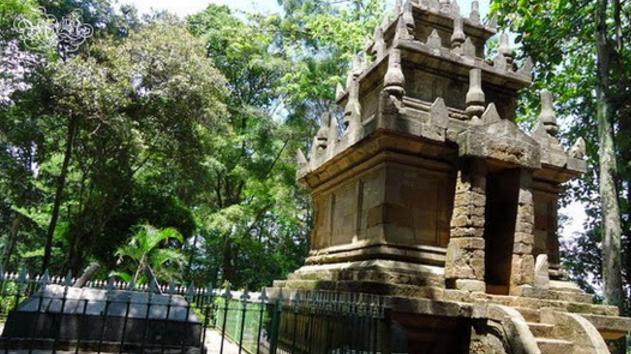 Objek Wisata Candi Cangkuang Garut