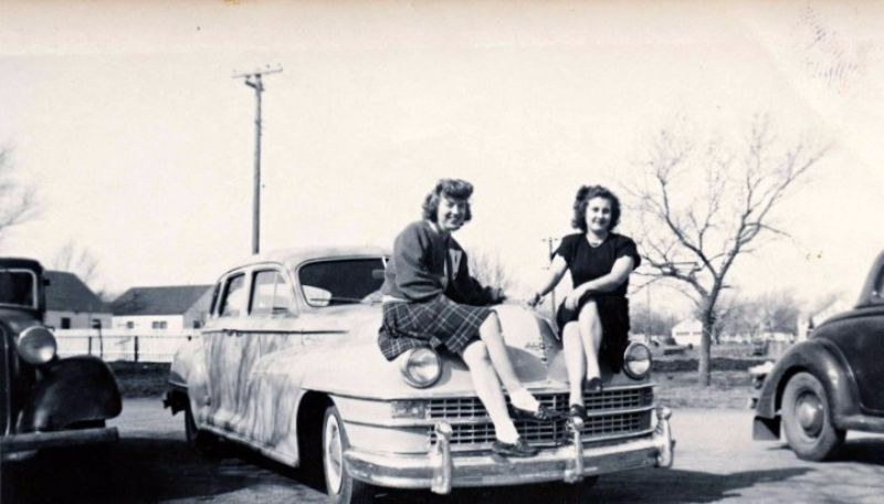49 Snapshots That Capture Young Ladies Posing With Their Cars In