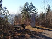 Sculpture sur le Mont Rivel