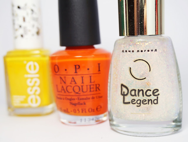 Halfmoon in Fire Nails, Nail Art, OPI - A Roll In The Hague, Essie - aim to misbehave, Dance Legend 930, Halbmond, Orange