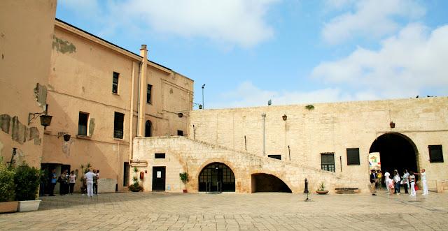 atrio castello, Taranto, monumento, architettura