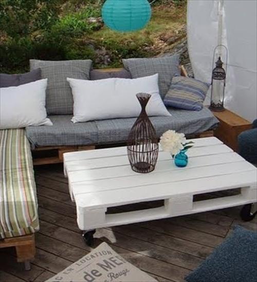 Pallet Sofa Inexpensive Seating Arrangement Ideas