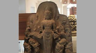 Cerita Bebas dari Museum Nasional Jakarta
