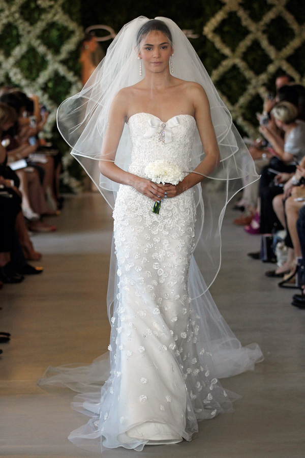 cheap wedding gowns online blog oscar de la renta 2013 bridal gowns collection. Black Bedroom Furniture Sets. Home Design Ideas