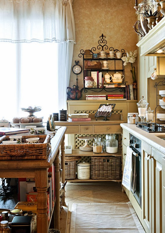 Boiserie c piccola cucina aperta sul soggiorno - Cucina aperta sul soggiorno ...